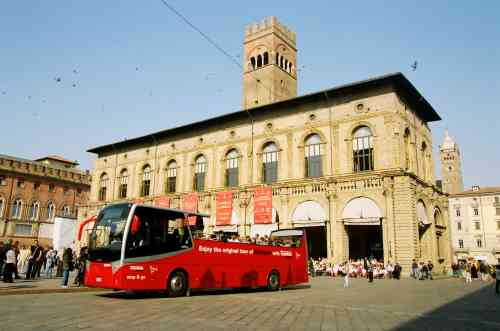 Hotel Donatello - Bologna - Vivi la città - City Red Bus Open Bologna